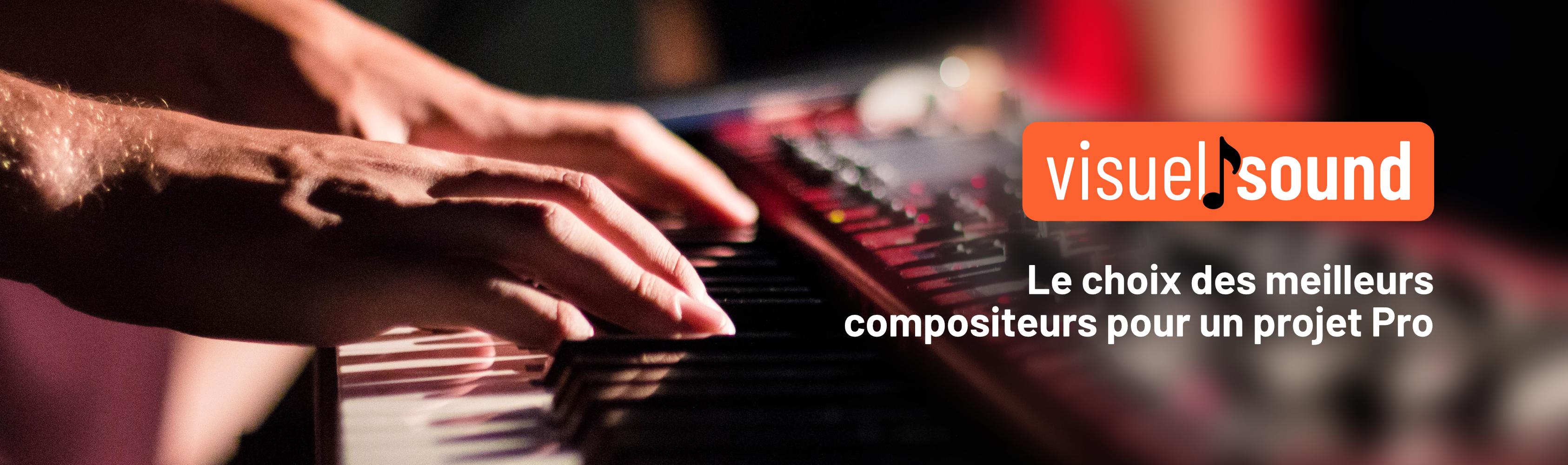 Third slide, Un musicien joue sur un synthesizer et un message indique le choix des meilleurs compositeurs pour un projet Pro
